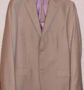 Новый костюм 48-50 мужской