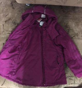 Куртка фирмы Adidas на девочку 5-6 лет рост 116
