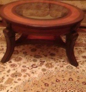 Продаю столик.