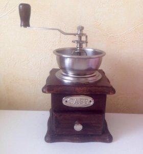 Кофемолка механическая. Molinillo de cafe