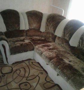 Диван-уголок и кресло