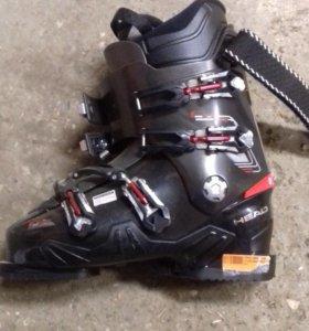 Горные лыжи, палки и ботинки