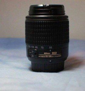 Nikon Nikkor 55-200 mm f/4-5.6G AF-S DX ED