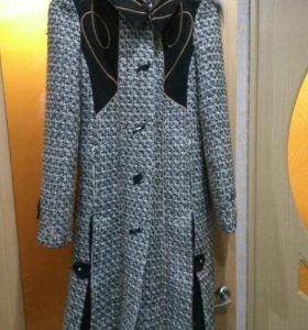 Пальто зима с капюшоном
