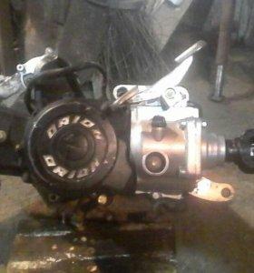 Двигатель с реверсом