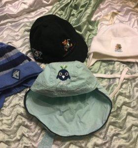 2 шапки, кепка и панама