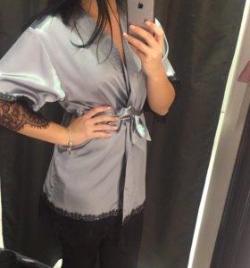 Шелковый халат с кружевом новый