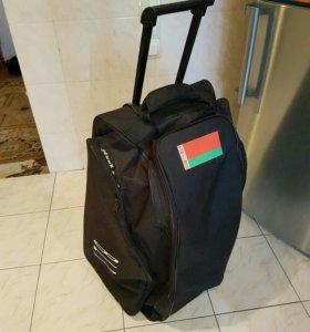 Дорожная сумка на колёсиках