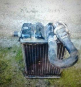 Радиатор на Ниссан стартер, бен за насос, привод.