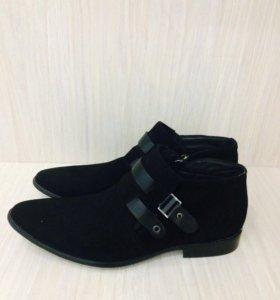 Продаются новые мужские ботинки на весну-замша