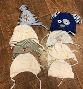 Набор шапок и чепчиков на возраст 3-9 месяцев