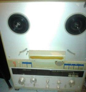 Магнитофон катушечный, кассетный и тюнер