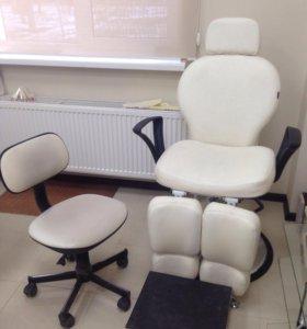 Педикюрное кресло стул и подставка