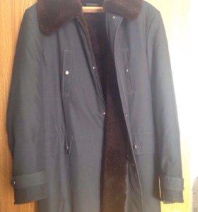 Зимняя мужская куртка на меху.