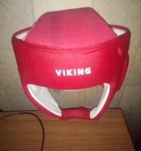боксёрские перчатки (2) пары и шлем (2) пары
