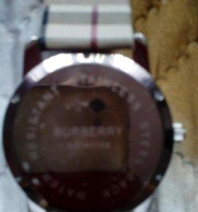 Женские  фирменные  часы