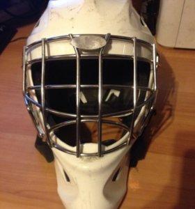 Вратарский шлем