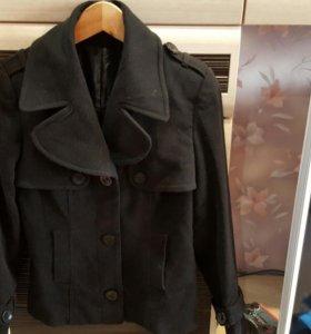Любое пальто 200р.