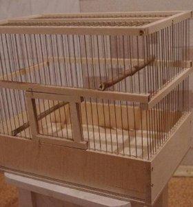 Клетка для птиц деревянная.