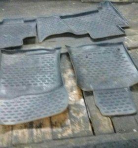 Резиновые коврики на Toyota Prado 150