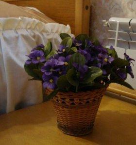 Искусственный цветок - фиалка