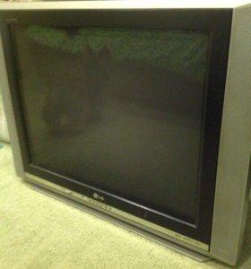 Телевизор,ламповый,цветной