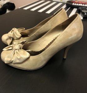 Туфли с позолоченной парчи