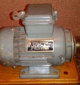 Двигатель асинхронный тип АПН 012 /2