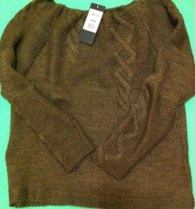 Новый свитер с этикеткой