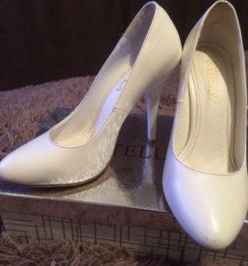 Туфли свадебные-37 р.