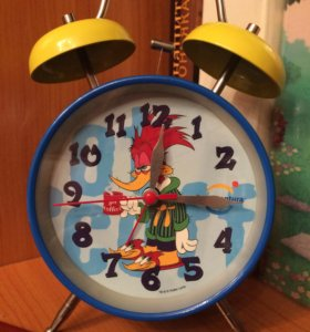 Детские часы-будильник.
