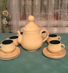 Чайник 6чашек и 6 блюдцев