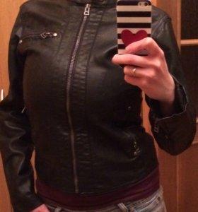 Женская куртка (кожзам)
