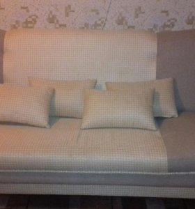 Продается диван и два кресла.