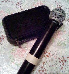 Профессиональный безпроводной микрофон фирма Shure