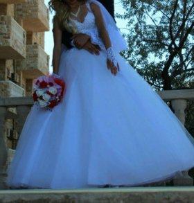 Счастливое свадебное платье))