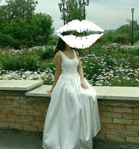 Красивое платье 42-44разм