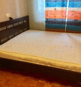 Кровать из массива с реечным дном