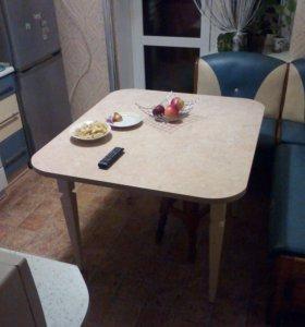 Столы и табурет