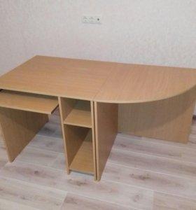 Компьютерный стол и уголок