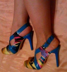 Туфли яркие атласные р. 37