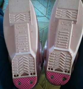 Ботинки горнолыжные женские