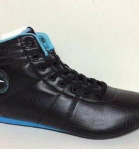 Новые кроссовки Anta черные