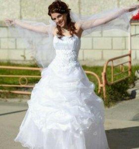 Свадебное платье и фата