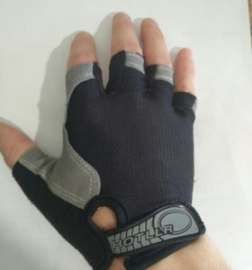Перчатки для фитнеса без пальцев