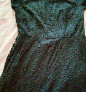 Гипюровое платье  темно синеаа цвета недоиого