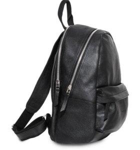 Новый кожаный рюкзак в упаковке