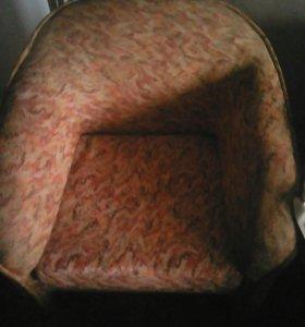 Cпальный гарнитур,диван кровать,кресла