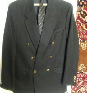 Пиджак с галстуком