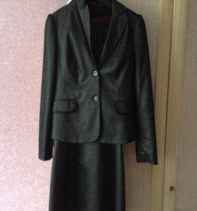 Костюм состоящий из платья и пиджака